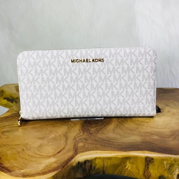 ac09b53b4c39a8 Michael Kors Bags | Jet Set Travel Large Leather Wallet | Poshmark